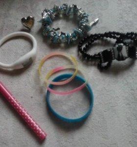 косметика и браслеты