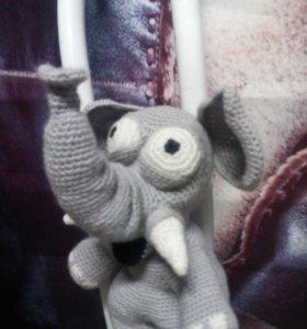 Вязаный слон