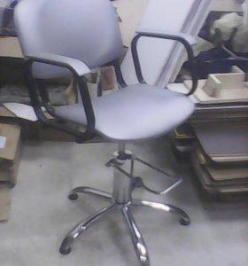 Кресло рарикмахерское