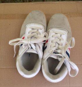 Кроссовки детские демикс ,покупали в спортмастере