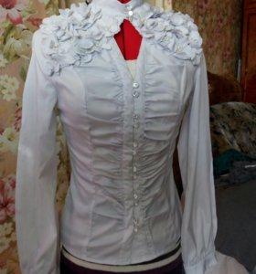 Блузка новая ,стрейч,очень красивая