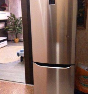 Срочно холодильник LG