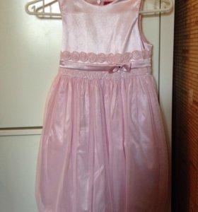 Праздничное платье рост 128 см.