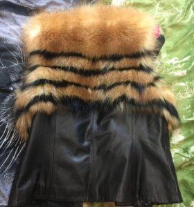 Жилетка натуральная кожа и мех лисы