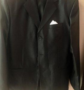 Мужской костюм (пиджак и брюки)