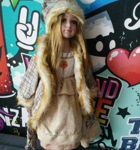 Фарфоровая кукла 12