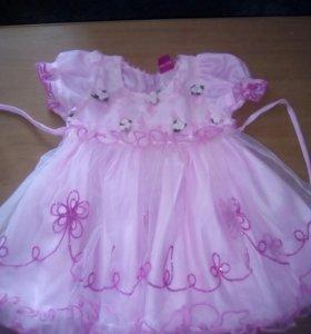 Красивое платье на малышку.