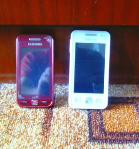 2 Телефона Samsung