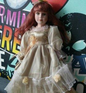 Фарфоровая кукла 16