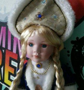Фарфоровая кукла 18