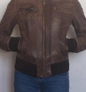 Куртка женская. Кожа
