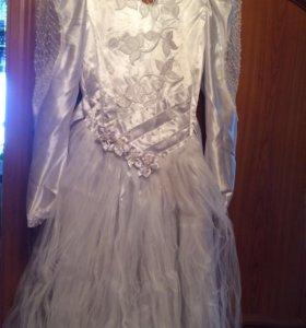 Платье свадебное,р42-44