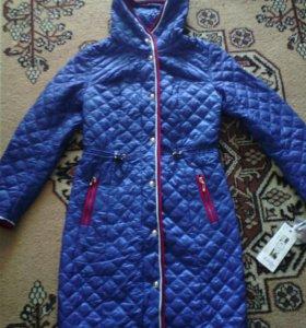 Новое демисезонное пальто 44 р