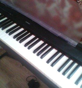 Цифравое пианино YAMAHA