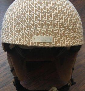 Сноубордический шлем red и очки