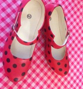Туфли детские (для девочки)