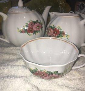 Продам фарфоровый чайный набор