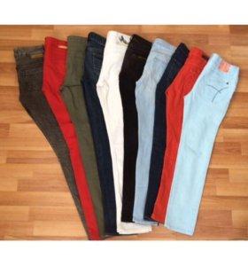 Много джинсов 24-25-26 размер