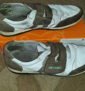 Кожаные ботинки на лепучке