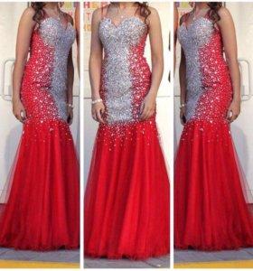 Платье со стразами Jovani