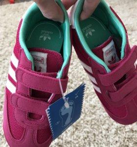 Новые Кроссовки adidas оригинал,торг