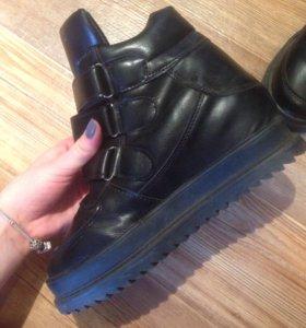 Ботинки(Сникерсы)