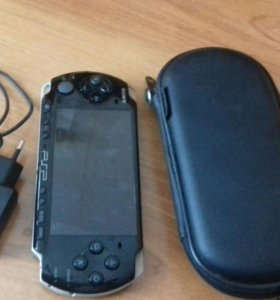 PSP модель 3008 + чехол + memory card 8 gb