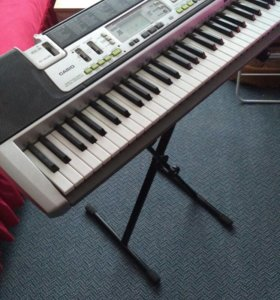 Синтезатр Casio