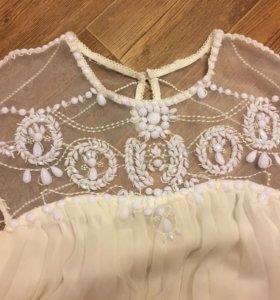 Коктейльное платье с вышивкой,новое