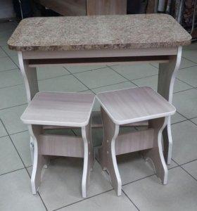 Стол и 2табуретки