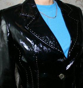 Продам женский кожанный пиджак