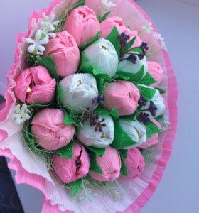 Букетик тюльпанов с конфетами