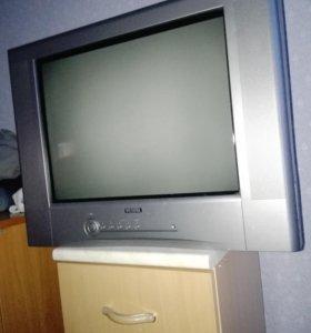 Телевизор рабочий цветной