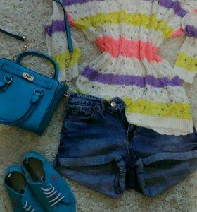 Кофта, шорты, кеды, сумочка