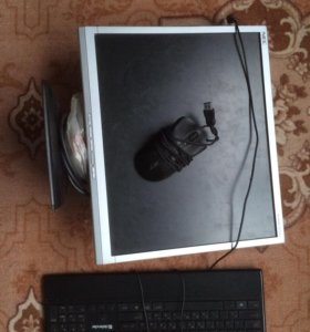 Продаю Монитор, клавиатуру , и мышку.