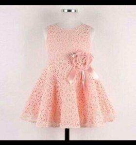 Платье новое 3-4г