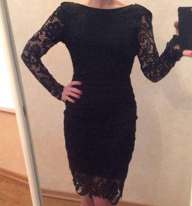Очень эффектное платье с открытой спиной