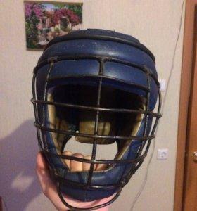 Шлем с защитной маской