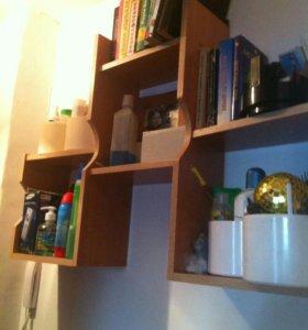 Полка для книг и мелочей, навесная.