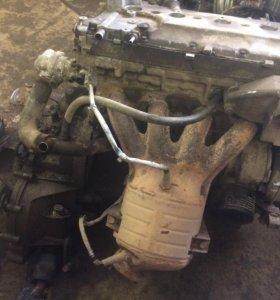 Двигатель с коробкой с сборе от приоры 16 кл