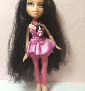 Кукла Bratz с кулоном