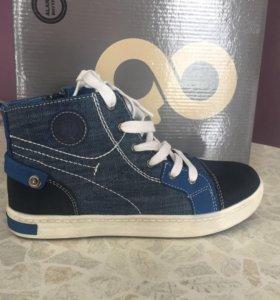 Ботинки, кеды ( кроссовки) для мальчика р.34