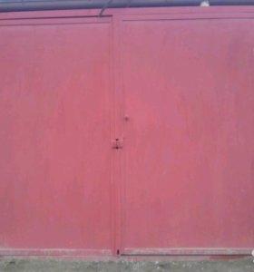 Продаю гаражные ворота