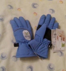 Новые зимние перчатки непромокаемые