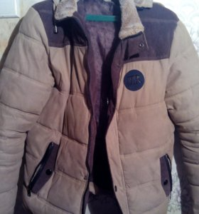 Теплая,хорошая куртка
