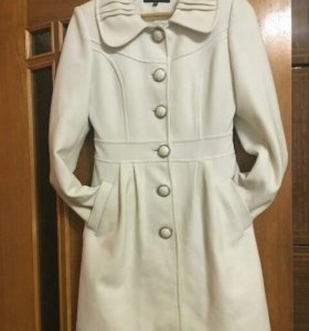 Пальто белое утепленное