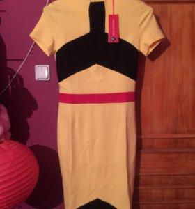 Диазйнерское платье новое 46 размер