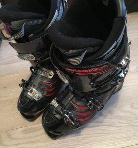 Лыжные ботинки Atomic 28-28.5 (42-43 рос)