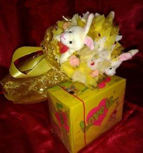 Букет из игрушек Зайцы