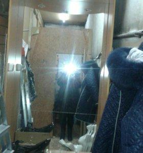 Торговая витрина, примерочный шкаф